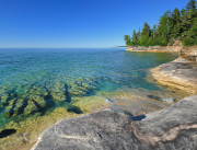 Picture of the coast of one of the Great Lakes.